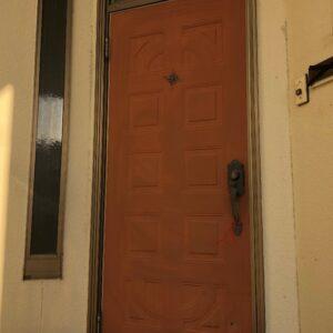 リノベ施工前玄関ドア